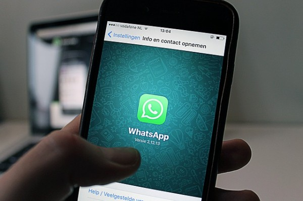 WhatsApp is constantly evolving in the face of the challenge from other chatting apps such as Snapchat. (antonbe)